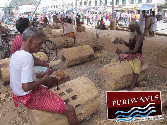 Construction work of Chariots ( Rath ) 2012 rathyatra puri