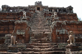 Angkor Thom Baphuon temple