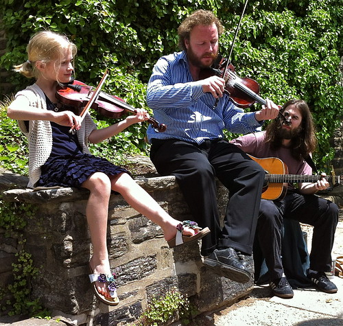 Irish Fiddlers busk at Chestnut Hill Home Garden Festival
