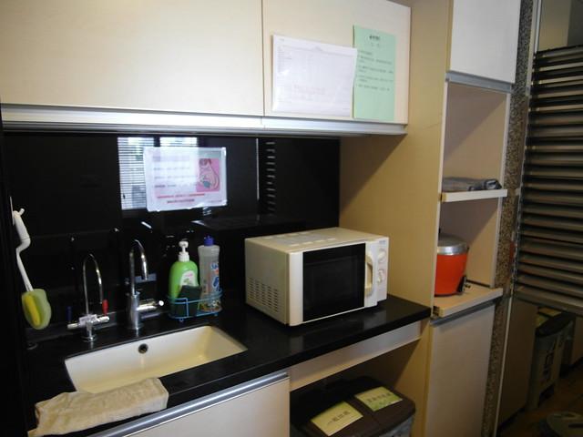 健新醫院月子中心,每一層樓都有茶水間可以加熱食物