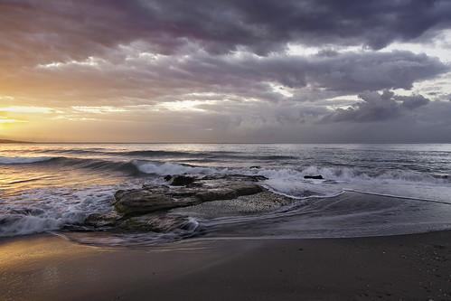 sea beach rock clouds sunrise mar day waves cloudy playa amanecer nubes olas malaga roca 0066 playadelamisericordia quinoal amanecerenmalaga vigilantphotographersunite vpu2 vpu3 vpu4 vpu5 vpu6 vpu7 vpu8 vpu9 vpu10