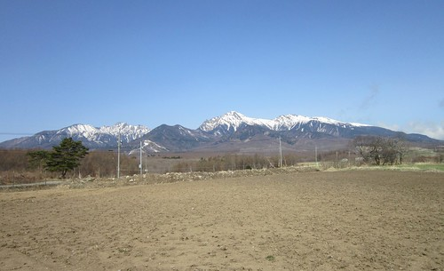 野辺山高原から見た八ヶ岳連峰 2013年4月19日09:06 by Poran111