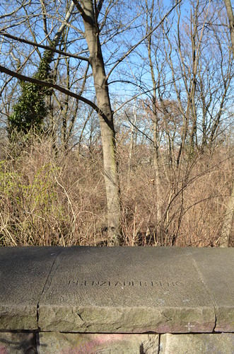 Volkspark Friedrichshain Berlin_neighborhood direction in stone