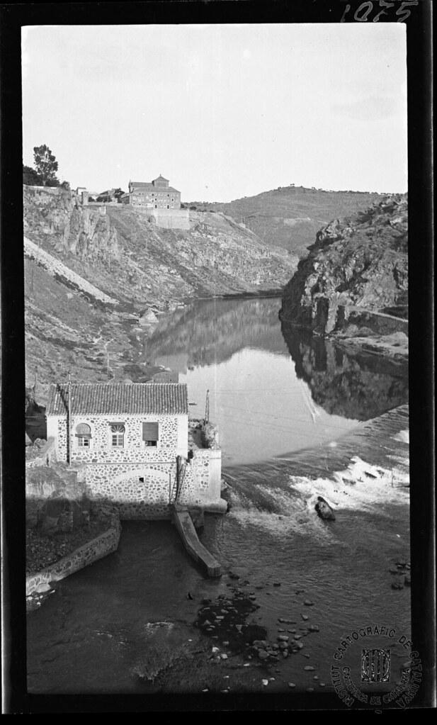 El Tajo y la zona de Roca Tarpeya en 1933. Fotografía de Gonzalo de Reparaz Ruiz. © Institut Cartogràfic de Catalunya