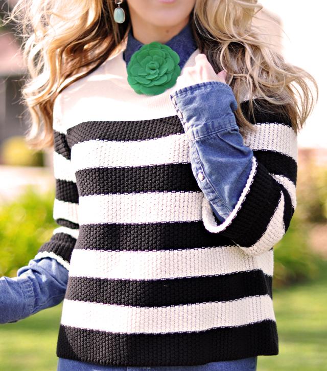 striped sweater  -green flower pin-denim shirt