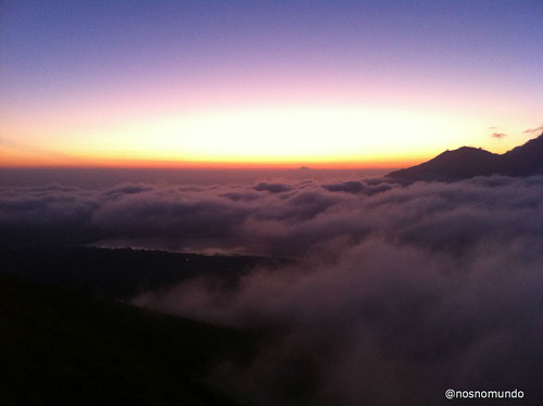 Amanhecer no vulcão Mount Batur