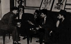 المستشار حسن الهضيبي ومحمد نجيب رئيس مصر والسعيد رمضان والأميري بعد الثورة