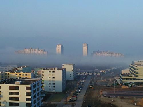 morning mist fog sunrise scary horror dsm kaiseraugst approaching fullsize liebrüti samsunggalaxysii waveoffog
