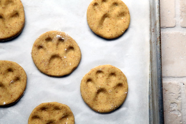 Paw Print Dog Biscuits 6