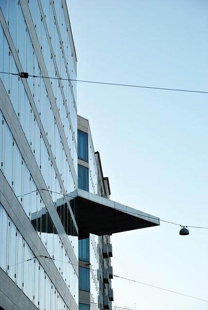 Kaisaniemi 11 Kaisaniemi blue sky wires building