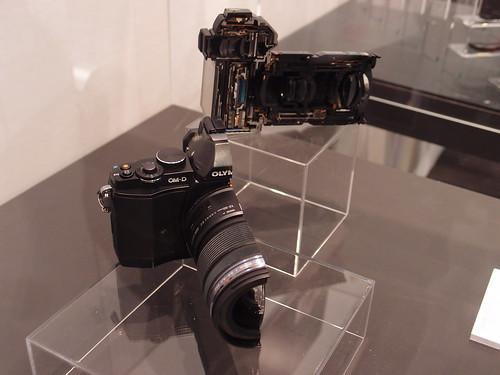 CP+ 2012 - オリンパス ブース OM-D E-M5 カットモデル