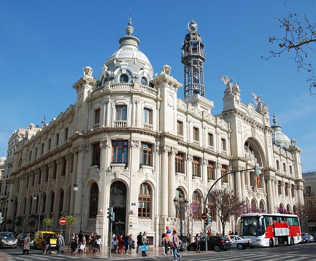 Edificio delle poste palacio de comunicaciones for Horario oficina de correos valencia