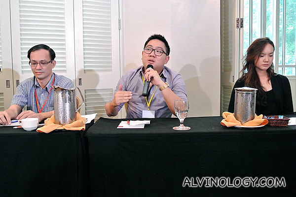 (L to R): Non-constituency MP, Yee Jenn Jong, me and opposition politician Nicole Seah