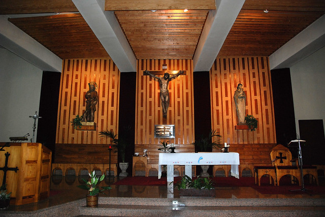 Altar de la iglesia de san l zaro del camino en oviedo for Piscinas san lazaro oviedo
