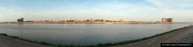 Sisowath Quay riverside