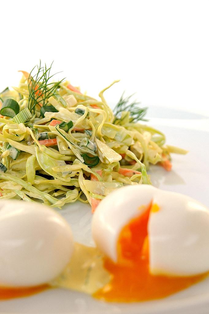 salada de couve e cenoura { coleslaw }