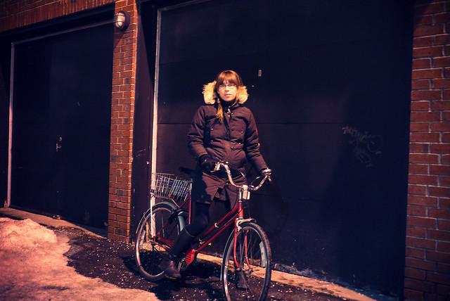 mon vélo rouge en hiver