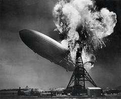 Zeppelin-ramp de Hindenburg / Hindenburg zeppelin disaster