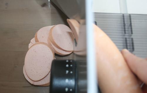 12 - Kochwurst schneiden / Cut bologna