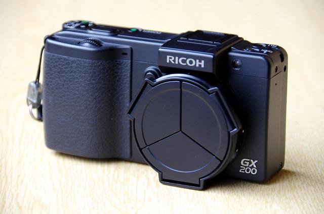 RICOH-GX200