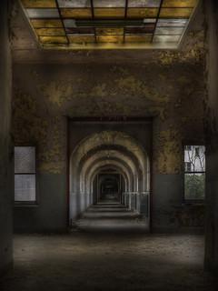 The labyrinth school  ::