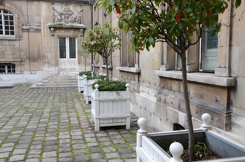 Courtyard at Musee Carnavalet, Paris