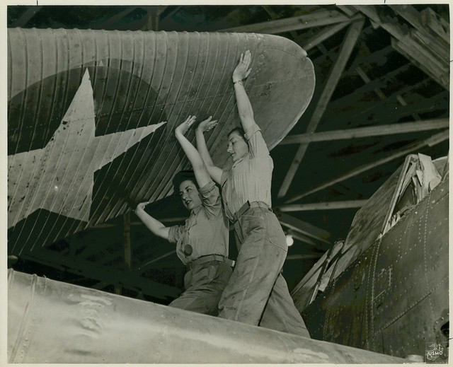Women Marines Unfold Wing Section, circa 1943