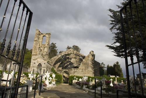IMG_5636 Entrando en el Cementerio de Santa Mariña de Dozo