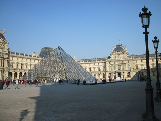 Pyramide du louvre 1 flickr photo sharing - Pyramide du louvre 666 ...