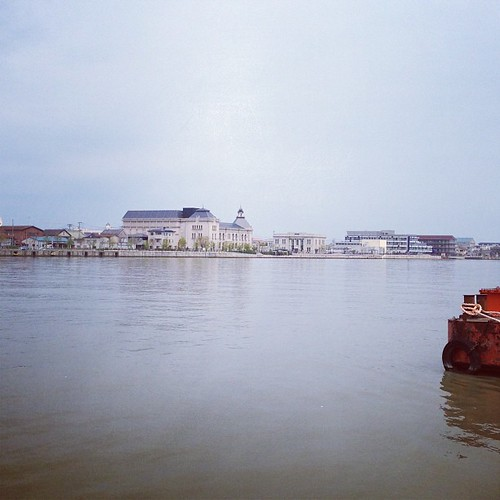 朱鷺メッセからみなとぴあ。イベントあるときだけでも連絡船が出たらいいよなあと思った。 #niigata by shinyai