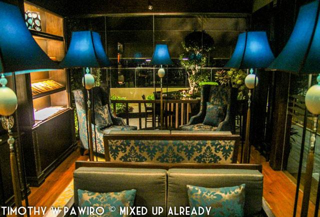Philippines - Manila - Dusit Thani - Club Lounge - The library