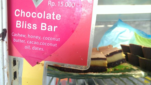Raw chocolate bliss bar