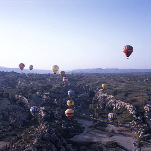 travel blue hot 120 6x6 sunrise mediumformat turkey iso100 fuji air balloon slide 66 professional hotairballoon epson fujifilm fujichrome provia cappadocia göreme goreme 幻燈片 fujicolor 日出 熱氣球 富士 土耳其 中片幅 自助旅行 rdp3 正片 v750 卡帕多奇亞 v750pro rdpⅲ 卡帕多起亞 葛勒梅 gf670 格雷梅 歌樂美