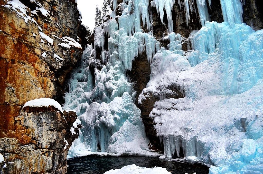 Johnston Canyon Ice Walk