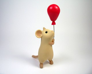 Tan Mouse with Red Balloon