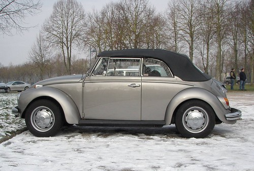 Volkswagen 1303 cabriolet gris  by gueguette80