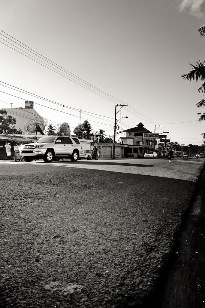 Punta Cana Street Street View [EOS 5DMK2 | EF 24-105L@24mm | 1/250 | f/7.1 | ISO200]