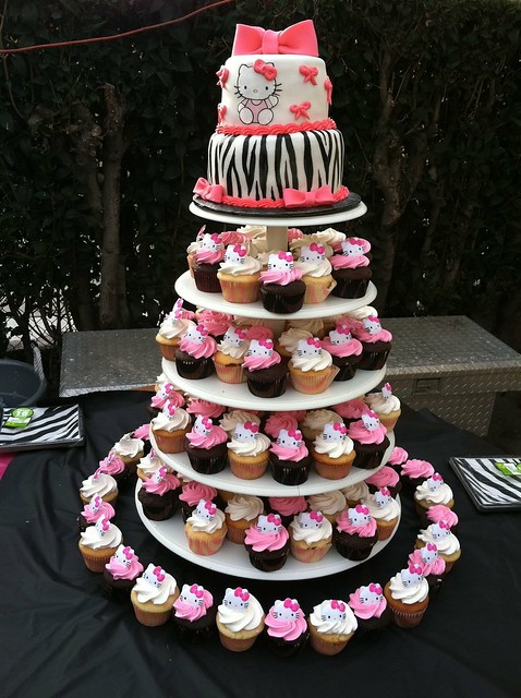 Hello Kitty Zebra cake and cupcakes | Flickr - Photo Sharing!