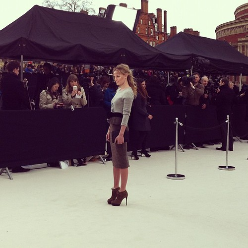 burberry_before_live_show_kate_bosworth