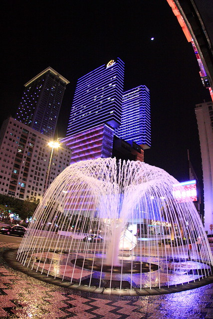 2011-12-02-20-09-30