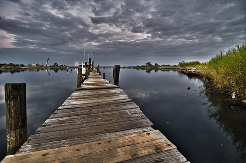 old water bay boat wooden dock nikon day florida cloudy tokina seafood hdr pensacola rickety 1116mm d7000