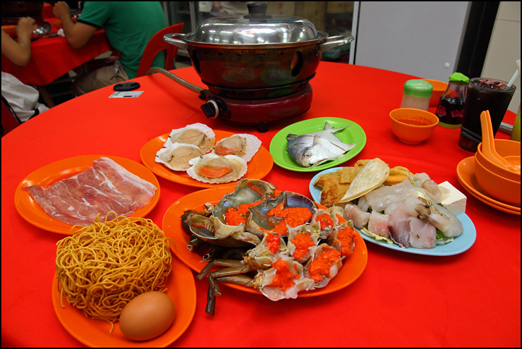 seafood-steamboat-meal