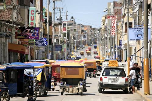 peru town calle traffic sweet taxi crowd tuktuk rickshaw jam tuk crowded piura sullana