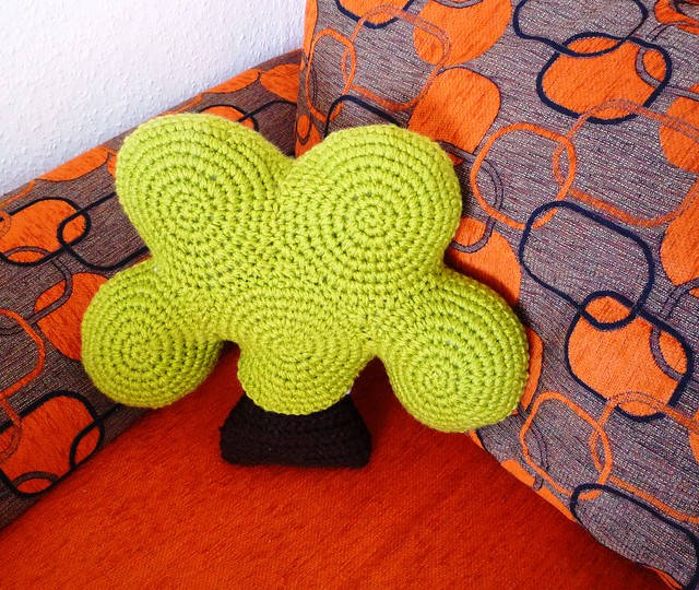 Crochet Tree Pillow