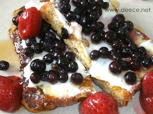 French Toast with Cream Cheese and Berries