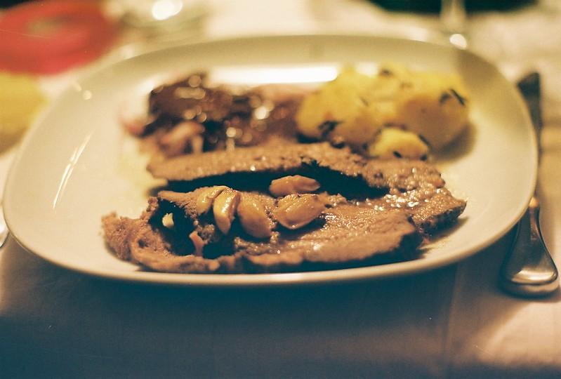 märz: roastbeef mit rosmarinkartoffeln & kernölmarinade