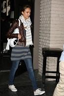 Jessica Alba Converse Celebrity Style Women's Fashion