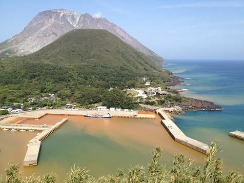 sea mountain japan port island volcano kagoshima mishima 薩摩硫黄島 三島村