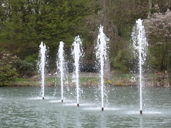 waterfall(0.0), ice(0.0), icicle(0.0), freezing(0.0), water feature(1.0), water(1.0), fountain(1.0),