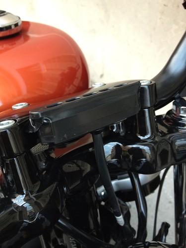 Tutoriel : Installation d'un compteur latéral sur une Harley Sportster 48